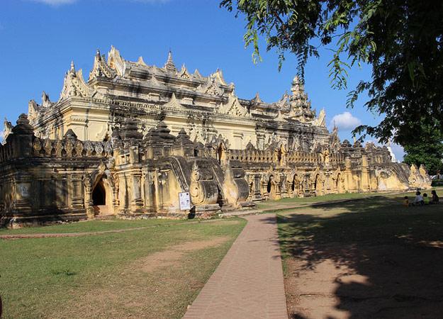 ava palace