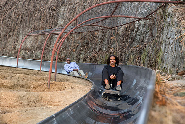 michelle obama toboggan on great wall
