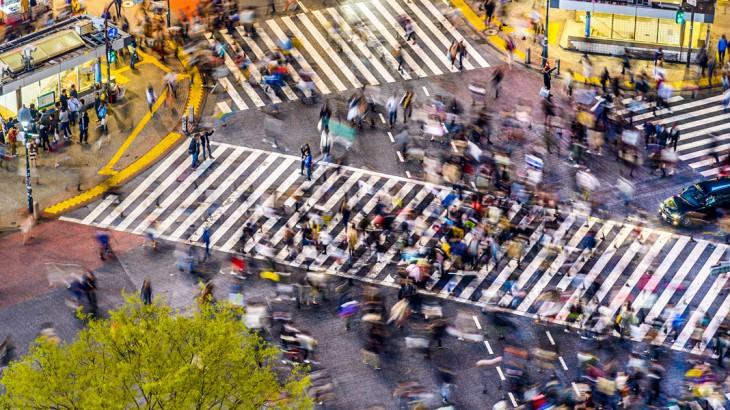 tokyo famous shibuya crossing