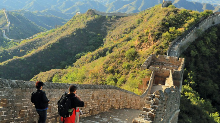 who's crossed the great wall of china?