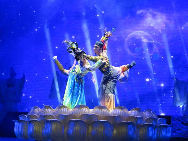 tang dynasty dancing show