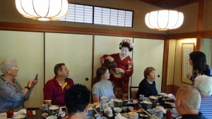 Maiko pouring us tea