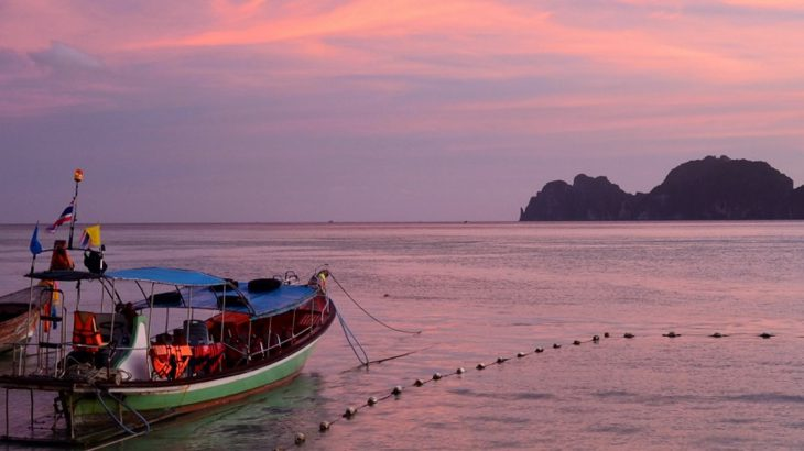 boats at sunset on Halong Bay
