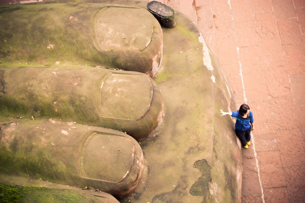 Visiting the Leshan Buddha on holiday to China