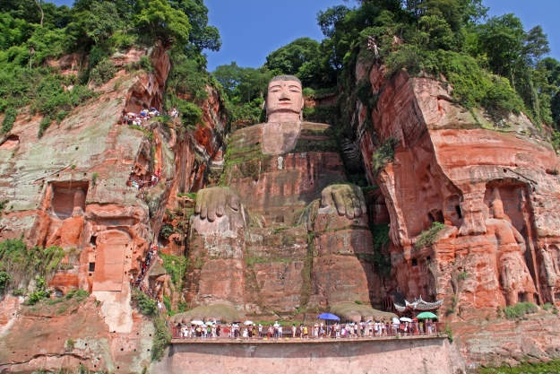 Looking up at the Grand Buddha of Leshan