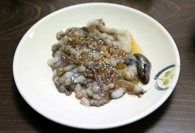 A plate of sannakji