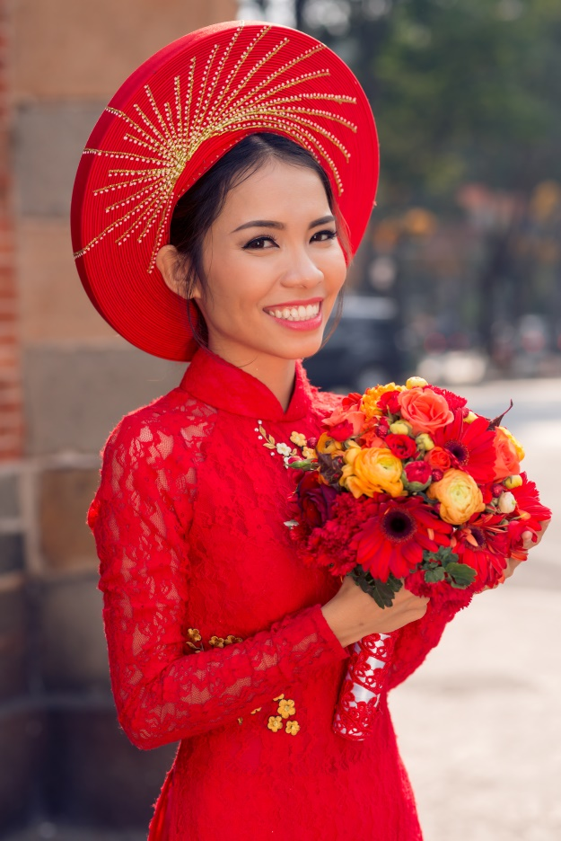 A traditional Vietnamese bride