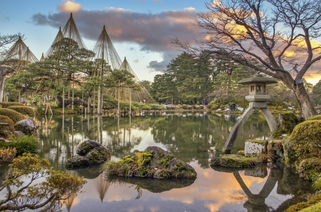 Peaceful views over Kenrokuen classic garden in Kanazawa