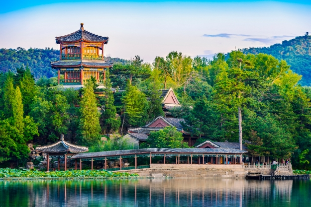 The beautiful architecture of Chengde Mountain Resort