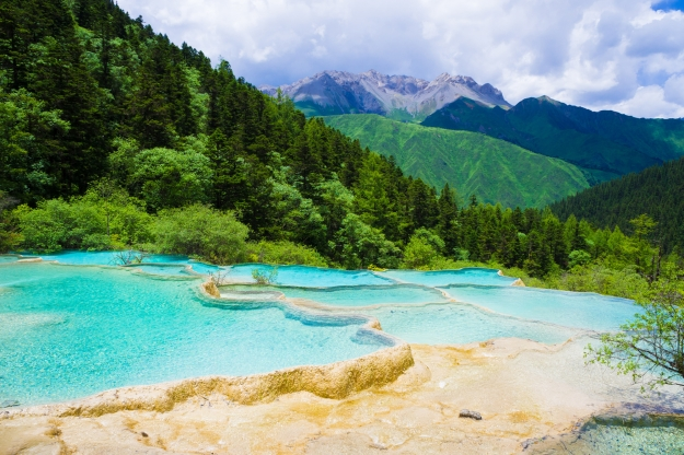 The vivid colours of the Huanglong Pools