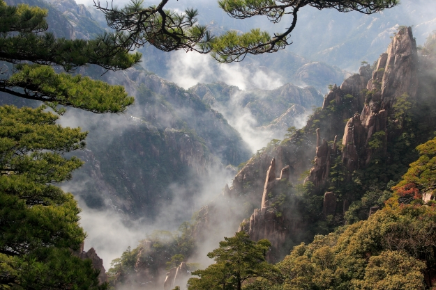 Mist swirling through Huangshan