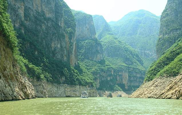 DAYS 9-11 YANGTZE RIVER CRUISE