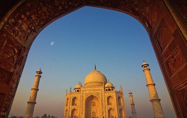 INTRODUCING INDIA<br/>We share our top tips for a<br/>first-time visit