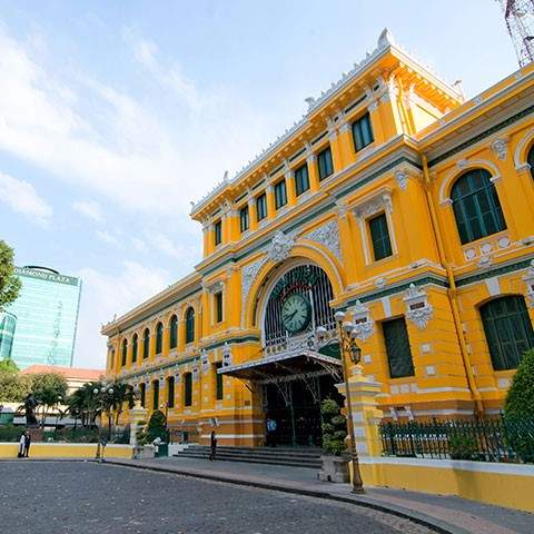 Vietnam at a glance escorted tours 2018 2019 wendy wu tours uk experience the edgy and evocative blend of past and present in vietnams largest city solutioingenieria Gallery