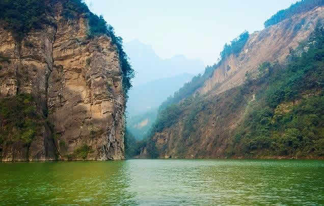 DAYS 8-10 YANGTZE RIVER CRUISE